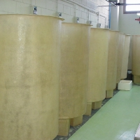 Opaque tanks for fish