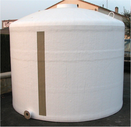 Vertical tanks with flat base
