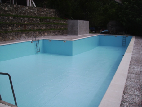 Swimming pool coated in polyester